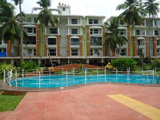 Cozy 2BHK with a pool in Candolim:CM007 - Candolim vacation rentals