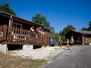 Chalet du Domaine du Lac de Feyt - Vallée Dordogne - Servieres-le-Chateau vacation rentals