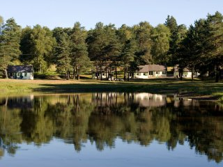 Cottage du Domaine du Lac de Feyt -Vallée Dordogne - Servieres-le-Chateau vacation rentals