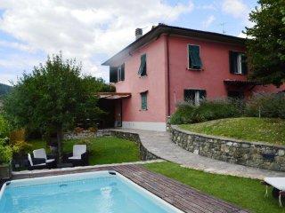 Bright 3 bedroom House in Camporgiano - Camporgiano vacation rentals