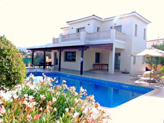 Front Line 4 Bedroom Villa - Panoramic Sea Views - Argaka vacation rentals
