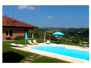 Wonderful 2 bedroom Condo in Castelnuovo Don Bosco - Castelnuovo Don Bosco vacation rentals