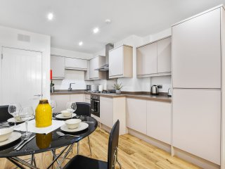 Beta Living Serviced Apartments 1 bedroom flat - London vacation rentals