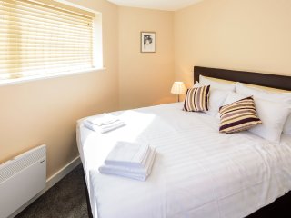 City Gate Suites - King size Apartment - Manchester vacation rentals