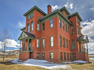 Classic 2BR Leadville Condo w/Wifi, Panoramic Mountain Views & Historic Setting in a Converted 1880's Hospital - Close to Downtown, Hiking, Golf, Outdoor Activities & Major Ski Areas! - Leadville vacation rentals