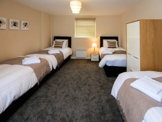 City Gate Suites - Six Bed Apartment - Manchester vacation rentals
