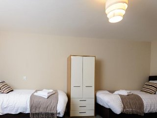 City Gate Suites - Five Bed Apartment - Manchester vacation rentals