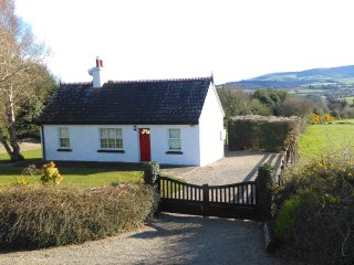 Beautiful 1 bedroom Avoca Cottage with Deck - Avoca vacation rentals