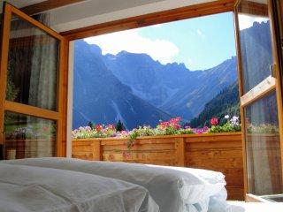 App. Olperer im Ferienhaus Padrins - Obernberg am Brenner vacation rentals