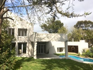 Bright 5 bedroom Somerset West House with Microwave - Somerset West vacation rentals