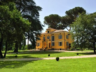 Tuscan Villa with pool a short drive from Rome - Capranica vacation rentals