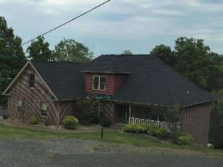 Nice House with Internet Access and A/C - Dandridge vacation rentals