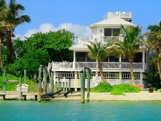Pelican Brief right on the beach - Captiva Island vacation rentals