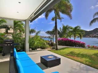 Beautiful Villa with Internet Access and A/C - Cole Bay vacation rentals