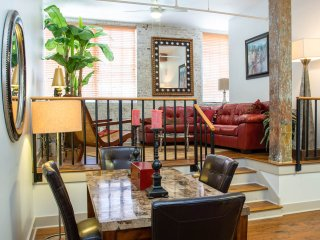 Luxury French Quarter Rental 50 ft off Bourbon w/Pool & Gym - Maison Katrina - New Orleans vacation rentals