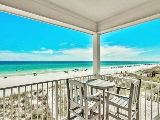 $1000 OFF March Stays 22 Port Ct : BEACH FRONT w/ Private Pool, Newly Renovated! - Destin vacation rentals