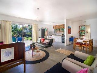 Stellenbosch Gardens Honeysuckle Cottage - Stellenbosch vacation rentals