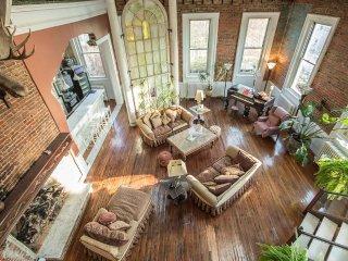The Art of Living Large - Washington DC vacation rentals