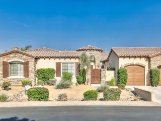 'Hillcrest' Gorgeous 4 bedroom, 3.5 bath, furnished home with private pool & spa - Indio vacation rentals