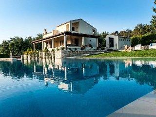 Villa Nemo holiday vacation villa rental italy, sicily, sicilia, noto, near syracuse, pool, wi-fi, view, short term long term villa - Rosolini vacation rentals