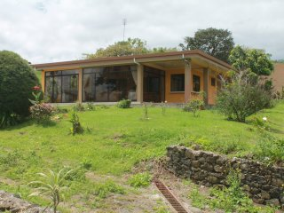 Wonderful House with Mountain Views and Microwave - Cartago vacation rentals