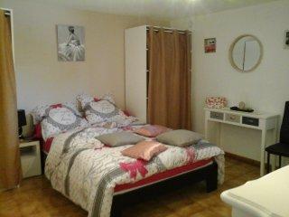 loue meuble t2 chambre et salon - Allauch vacation rentals