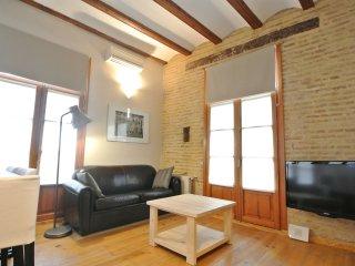 Wonderful 3 bedroom apt in historic building - Valencia vacation rentals