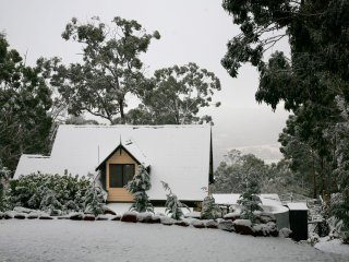 Nice House with Deck and Television - Mount Macedon vacation rentals
