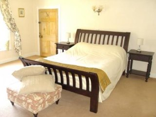 Abbey Farm Bed And Breakfast - Merevale Room - Atherstone vacation rentals