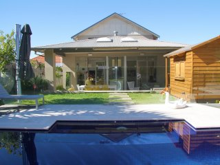 Gorgeous Modern Sydney home with pool close to CBD - Gladesville vacation rentals