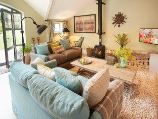 Nice 1 bedroom Weston Under Lizard House with Television - Weston Under Lizard vacation rentals