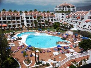 Parque Santiago II - Duplex with 2 bedrooms - Playa de las Americas vacation rentals