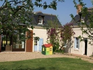 3 bedroom House with Internet Access in Marcon - Marcon vacation rentals