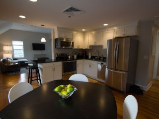 Renovated 2 bedroom in Heart of Lenox - Lenox vacation rentals