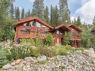 NEW LISTING - Squaw Valley Six Bedroom with Private Hot Tub & Pool Table - Olympic Valley vacation rentals