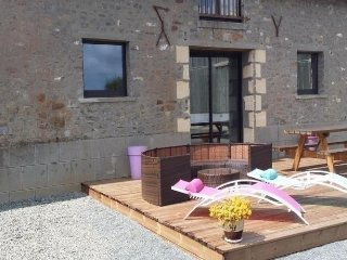 Nice House with Internet Access and Television - Juigne-sur-Sarthe vacation rentals