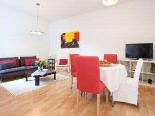 Naschmarkt classic: spacious flat in the center - Vienna vacation rentals