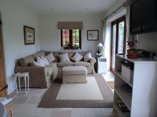 Martins Cottages - Foxglove - sleeps 4 - Birdham vacation rentals
