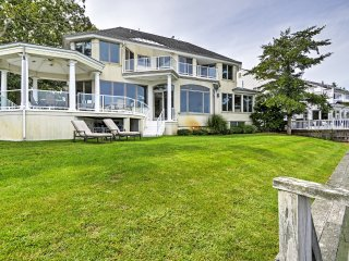 Spacious 7BR Point Pleasant House on the Manasquan River w/Expansive Views - Perfect for Large Family Gatherings! - Point Pleasant vacation rentals