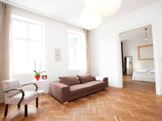 Naschmarkt top: spacious, bright and in the center - Vienna vacation rentals
