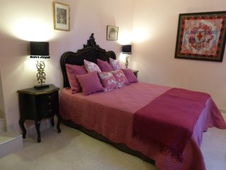 Cozy 2 bedroom Meynes Bed and Breakfast with Internet Access - Meynes vacation rentals