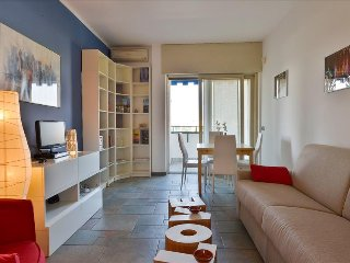 Bright flat in the vicinity of the Arco della Pace - Milan vacation rentals