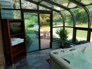 2 Bedrooms (King & Queen) | Spa & Breakfast - Elizabethtown vacation rentals