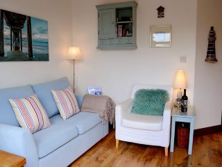 Sea Song - Peaceful, cosy retreat on coastal path - Niton vacation rentals
