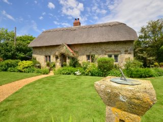 Old Nursery Thatch - Stunning, stylish thatch cottage close to South coast - Chale vacation rentals