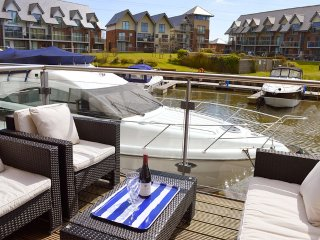 Lazy Life's Harbour - Island Harbour - Beautiful waterside property - grouped - Newport vacation rentals