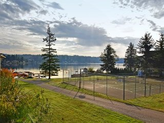 Lakefront Luxury - on Goodwin Lake, near Tulalip Casino and Outlet Malls - Stanwood vacation rentals
