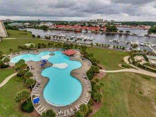 JUST UPDATED Luxury,Yacht Club 4BR 3BA,pool/hot tub/Great Golf. Sleep 10 - North Myrtle Beach vacation rentals