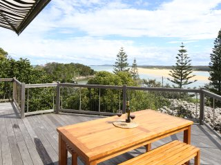 Spacious 4 bedroom House in Sawtell - Sawtell vacation rentals