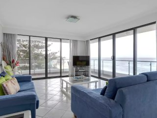 No 5 Darenay 3 Bedroom Oceanfront Apartment - Mermaid Beach vacation rentals